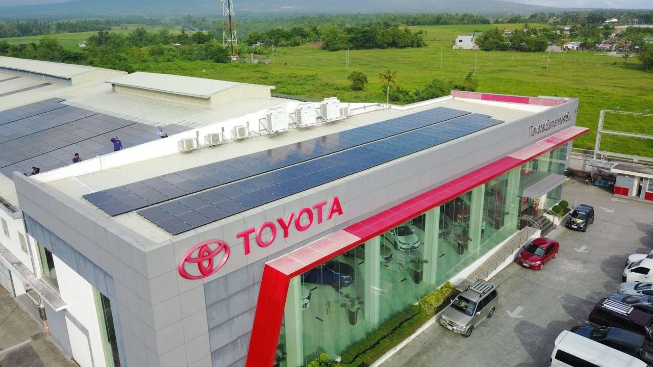 TOYOTA DEALERSHIPS REV UP THEIR SOLAR POWERED AUTO MALLS