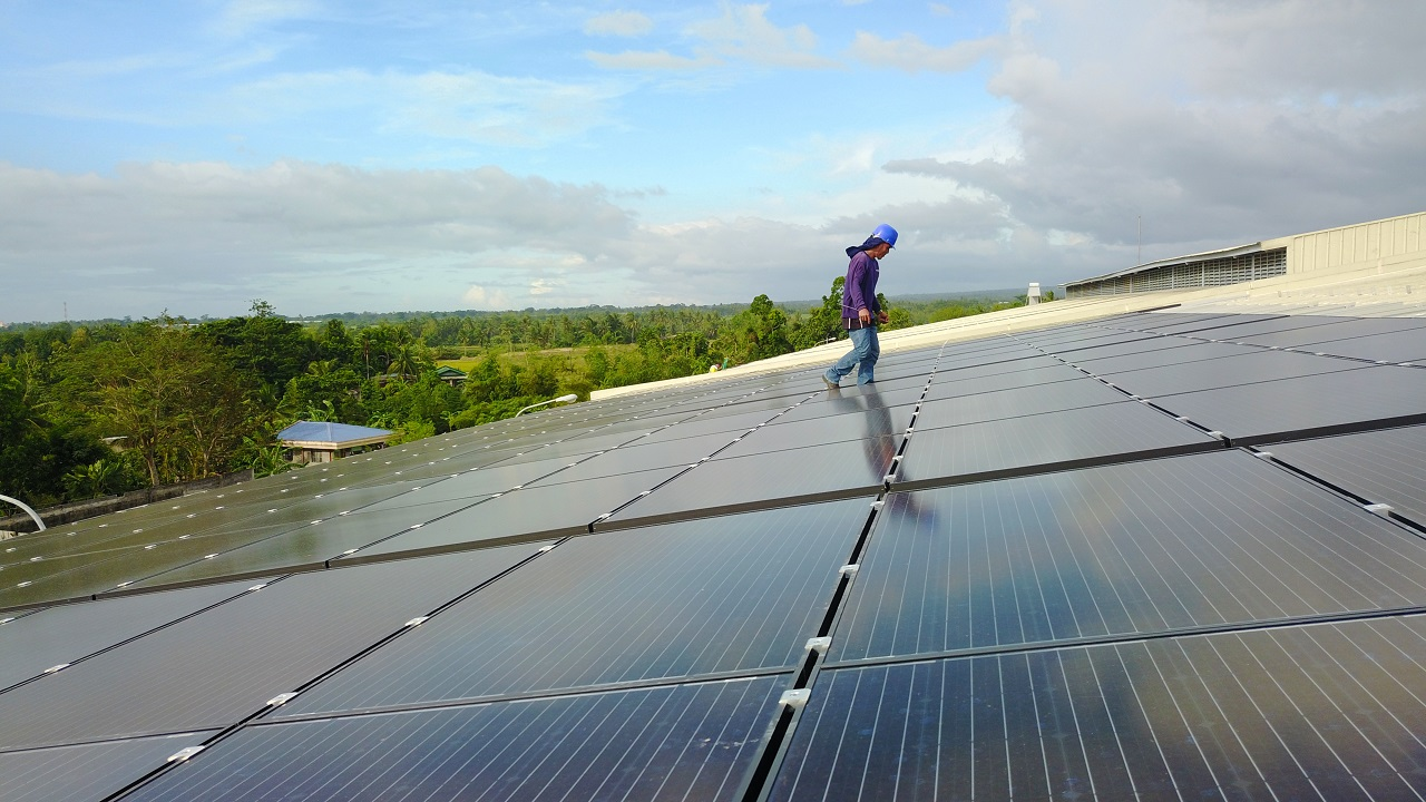 THE PHILIPPINES: WALKING TOWARDS THE RENEWABLE ERA