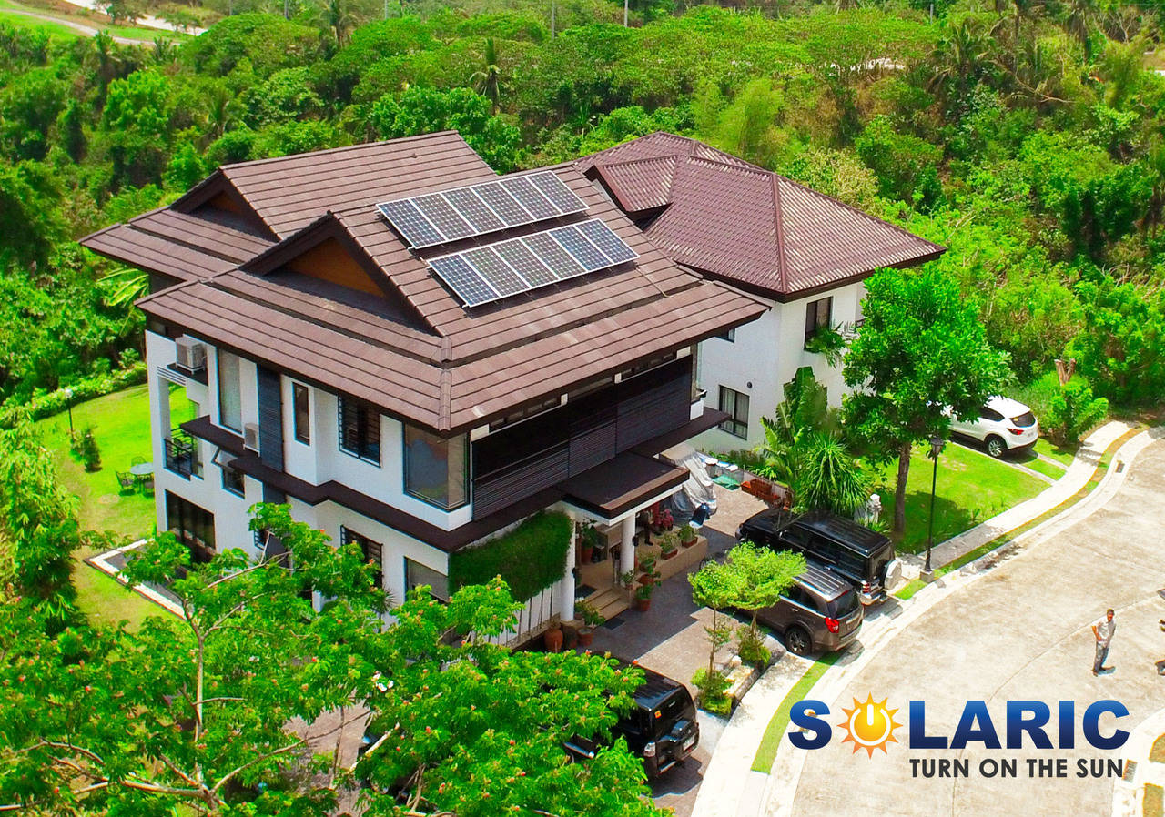 A home with rooftop solar in the Philippines