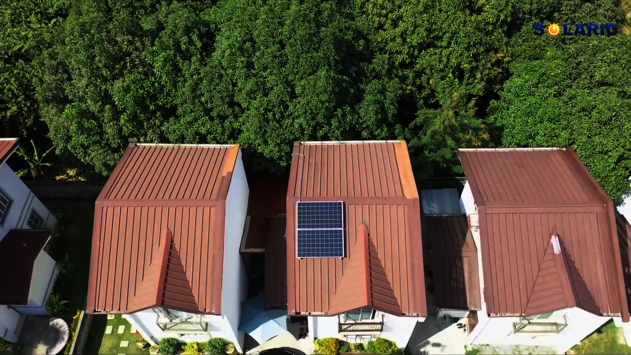 Townhouses with rooftop solar panels