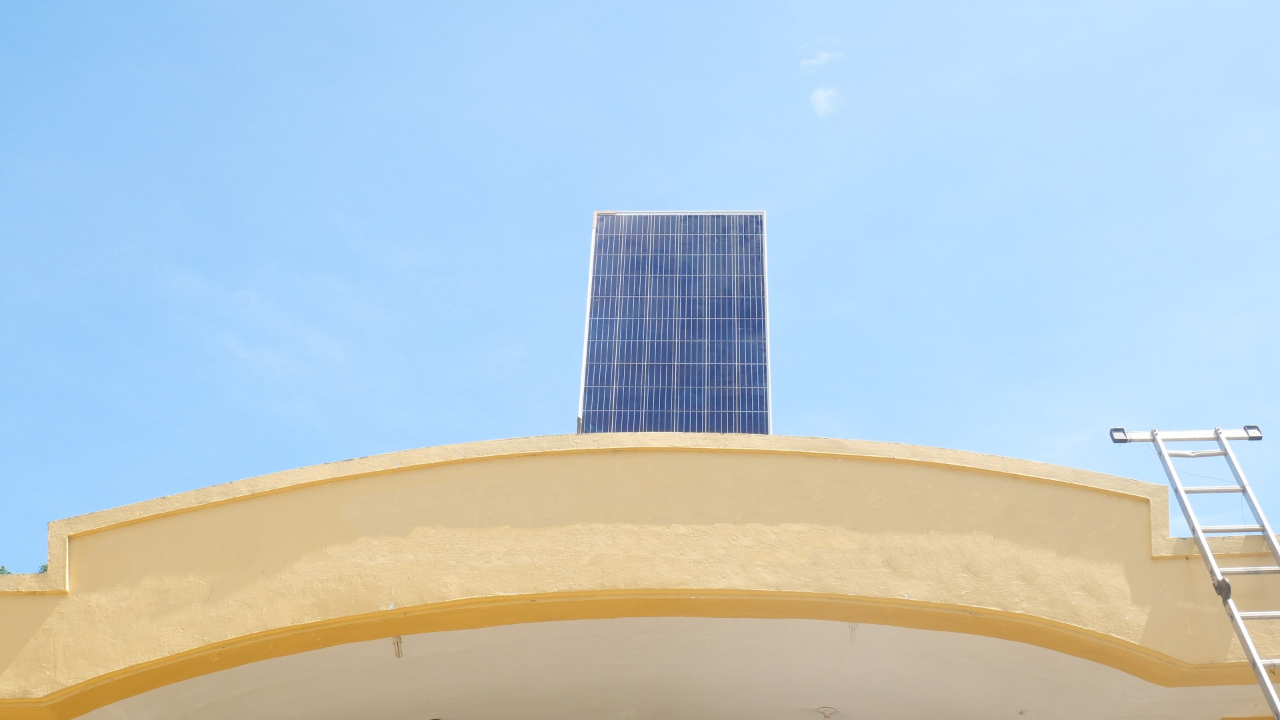 HOW DOES HEAT AFFECT YOUR SOLAR PANELS?